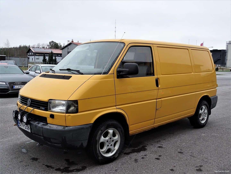 Volkswagen Transporter 2.5 TDI 65kw * RAHOITUS VAIKKA MAKSUHÄIRIÖ MAHDOLLINEN * PARIOVET * WEBASTO * LISÄVALOT * 2X RENKAAT * KOUKKU YMS